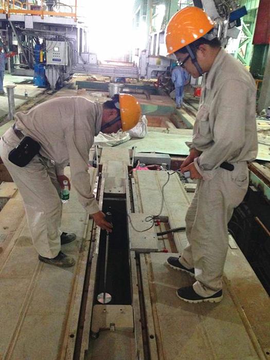 湛江钢铁2150板坯连铸结晶器电磁搅拌装置的磁路结构